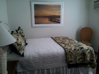 4TH BEDROOM - QUEEN BED