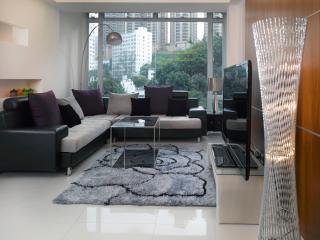 2 nights 15% OFF*CENTRAL*MTR*OPEN VIEW*3bed2bath*Big*Discount*, Hong Kong
