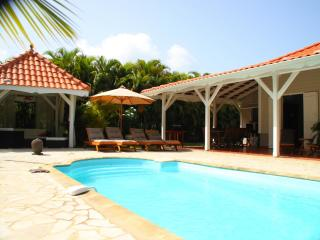 Elegant Creole style Villa with pool near beaches