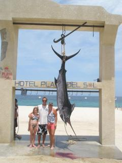 474 lb Blue Marlin Monster