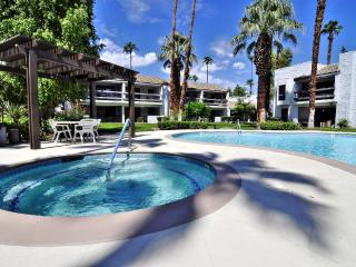 $99 Summer Sale! Sweet Palm Springs 2bd/2ba Condo