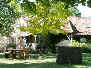 Le Magnolia is a great holiday house in Les Arques, Lot, France, Aquitaine