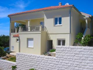 Apartments Jambrovic- A1(4+2) - Primosten