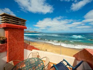 Beachfront Apartment with panoramic views at Cante, Las Palmas