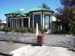 Martinborough's 'Rose Cottage' B&B