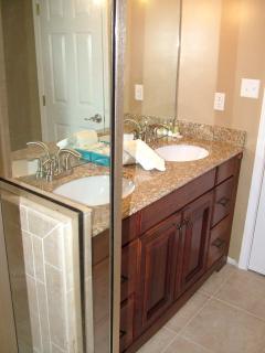 Master Bath Duel Sinks Granite Cabinets