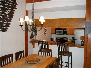 Centrally Located Accommodations - Affordable & Cozy (1316), Crested Butte