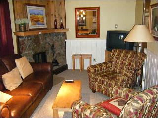 Cute Base Area Condo - Private Balcony with Mountain Views (1353), Crested Butte