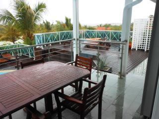 BLUE BAY at Green Cay Villas... affordable villa with views of Orient Bay, walk