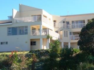 Stunning Upmarket 4 Bedroomed  House on the Beach, Port Alfred