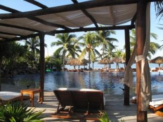 Charming Condo at  Exclusive Beach in Zihuatenejo, Zihuatanejo