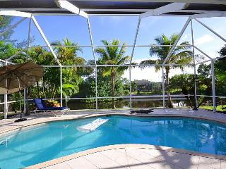 Villa IBIS, Waterfront  Pool Home near Golf Course in Cape Coral, Florida