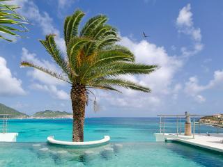 Villa EL SUENO in Little Bay, Beach and Ocean View