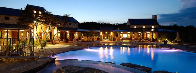 The private Beach Club wit 4 swimming pools.