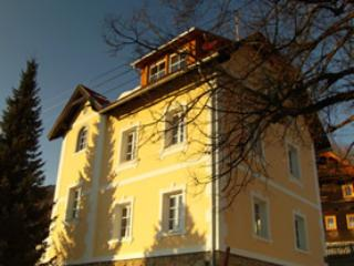 The old Vicarage / Das Altes Pfarrhaus, Trebesing