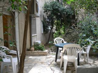 Quiet Rehavia 2 bdr. apartment (2)
