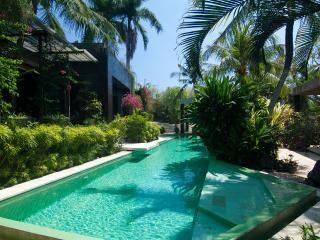 5* ESTATE MANSION LUXURY TRANQUIL CHEF DRIVER POOL, Canggu