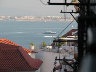 Alfama 2 is in historic center