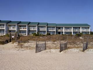 Luxury Living Tybee - Oceanfront Oasis with Pool, Tybee Island