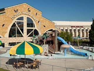 Wisconsin Dells Waterpark Vacation