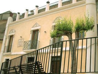 Palazzo Lupis, B&B - Grotteria, Calabria, Italia