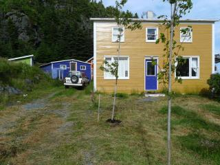 EAST COAST NEWFOUNDLAND COTTAGE BY THE SEA, Tors Cove