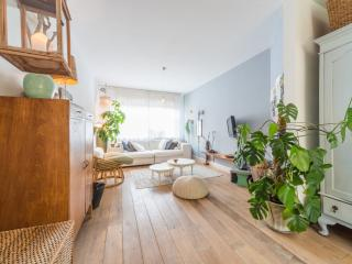 Dutch style apartment with garden, 2 bikes and Cat, Amsterdam