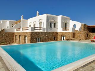 4 Bedroomed Villa Mykonos-3 with Private Pool In Greece-357