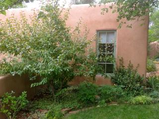 Cozy and Quiet Santa Fe Casita