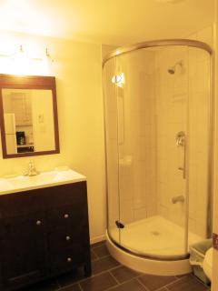 New & clean bathroom