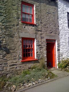 'Jazzcats' Front of Cottage in beautiful Millthrop Hamlet
