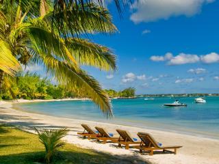 Nice villa. Nice beach. Nice Lagoon. Nice Price., Grand Baie