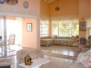 Harmony Penthouse Apartment - St.Vincent, Petit St.Vincent