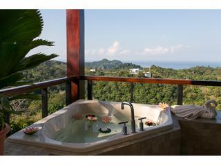 Outdoor jacuzzi on the terrace.