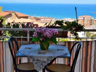 Roomantic & comfy  studio with balcony & seaview, Cefalu