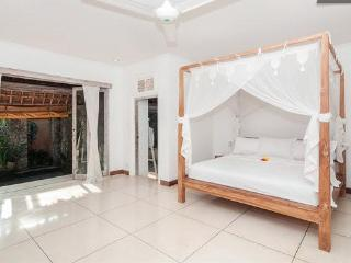 King Bedroom with ensuite and DVD/TV