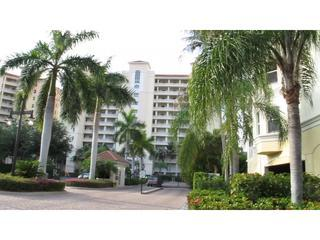 Luxury Regatta Condo w/Priv. Deck, Pool, Beach