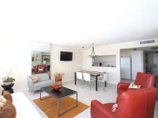 Beachfront  2 bedroom spacious apartment 804, Miami Beach