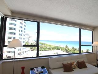 Beachfront  2 bedroom spacious apartment 804, Miami Beach