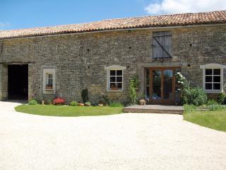 La Grange Modern Converted Barn Vanzay Deux Sevres, Sainte-Soline