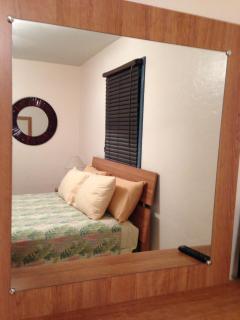 Bedroom 1-Queen Bed
