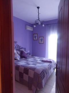 Bedroom 1    (King Size)
