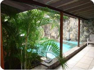 The Stone House - Vacation Villa for Rent, Belmont