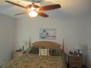 St.Armands Circle condo ( Kingston Arms )