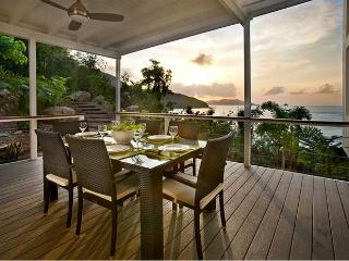 The Refuge - Beachfront Villa on Tortola, BVI