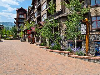 Corner unit facing the slopes - Restaurants, Shops, and Gondola right out the front door (9297), Snowmass Village