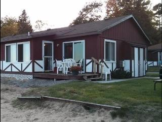 2 Bedroom, Beach Front Cottage on Lake Huron, Oscoda