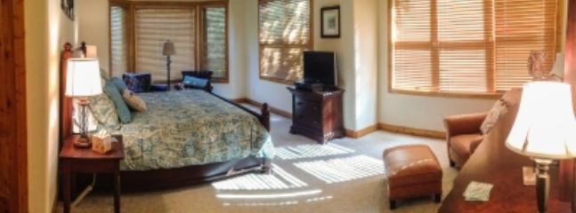 Master bedroom, sitting area, panel TV