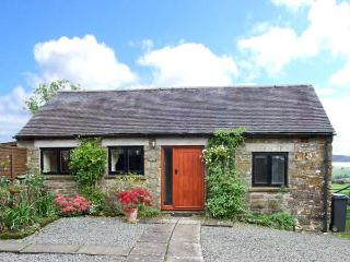 MANIFOLD COTTAGE, pet-friendly single-storey cosy cottage with country views in