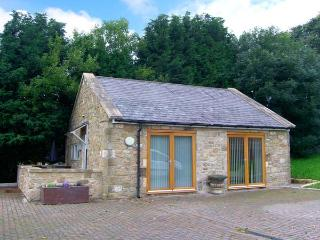 THE LODGE, stone-built, detached, open plan studio accommodation, romantic retreat, in Horsley near Heddon-on-the-Wall, Ref. 29737, Northumberland